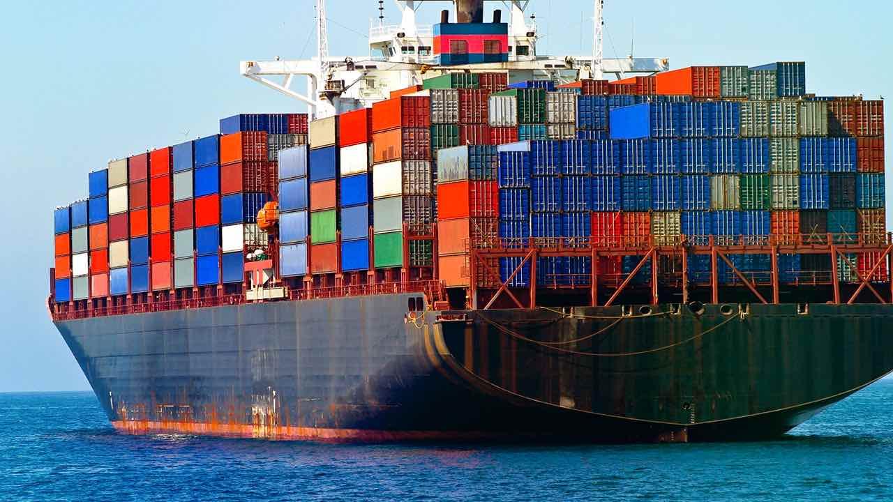 Docker Base Image OS Size Comparison