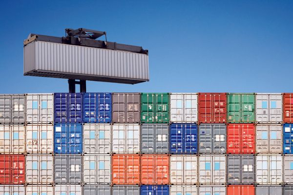 How to scale Docker Containers with Docker-Compose